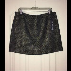 Black and gold mini skirt!